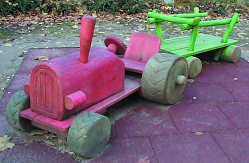 Robinia speelelement tractor met kar